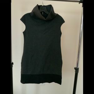Express tunic w zipper back